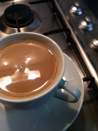 Y ahí lo tienen ... recién café preparado que sabe mucho mejor que jds cualquier día! :RE