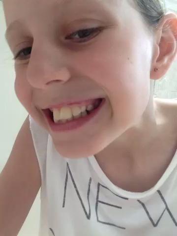 Ahora usted tiene los dientes brillantes limpias! ??????