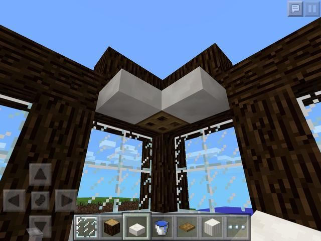 Por desgracia, puede't make a working shower without redstone. You can make a fake shower head though, with some slabs and a trapdoor!