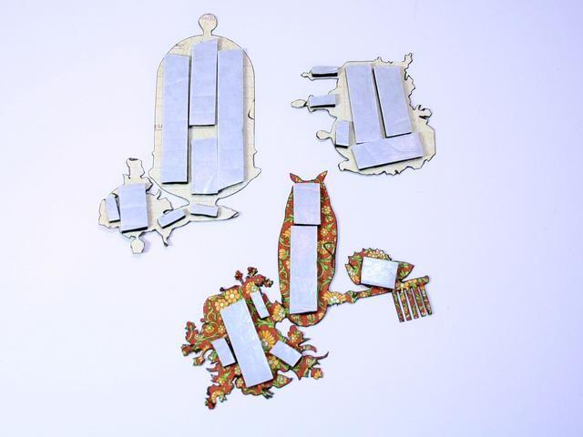 Use cinta de espuma o plazas a aparecer los elementos de corte quisquillosos.