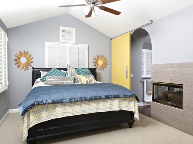 Dormitorio de invitados con corredera Puerta de granero y Techo