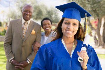 estudiante universitaria y sus padres