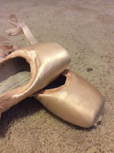 Cómo cuidar a sus zapatos de Pointe