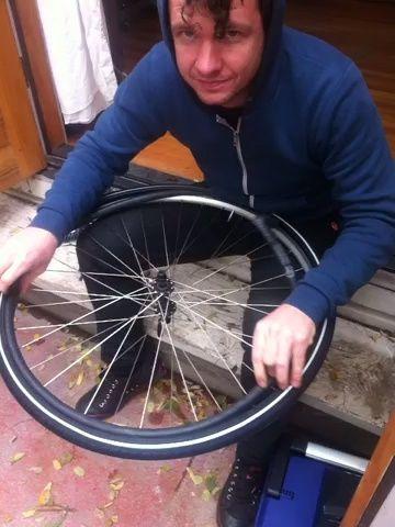 rellenar el tubo en el neumático