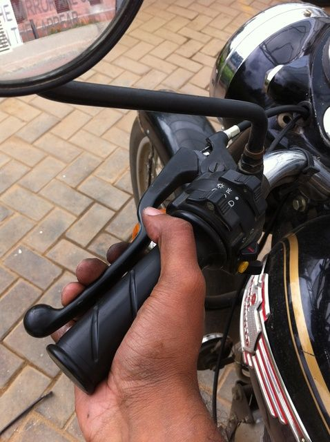Cómo cambiar del cable del embrague de Royal Enfield Std 350