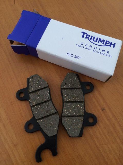 Fotografía - Cómo cambiar traseras Pastillas de freno sobre Triumph Bonneville