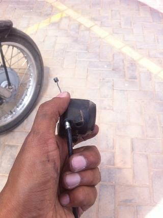 Como se muestra anteriormente es el primer paso de reinstalación cable.