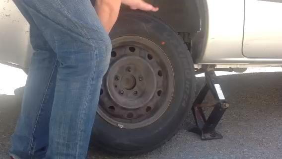 Retire el neumático!