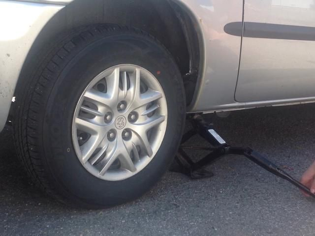 Su nuevo neumático es de ahora y ya está listo para conducir de nuevo!