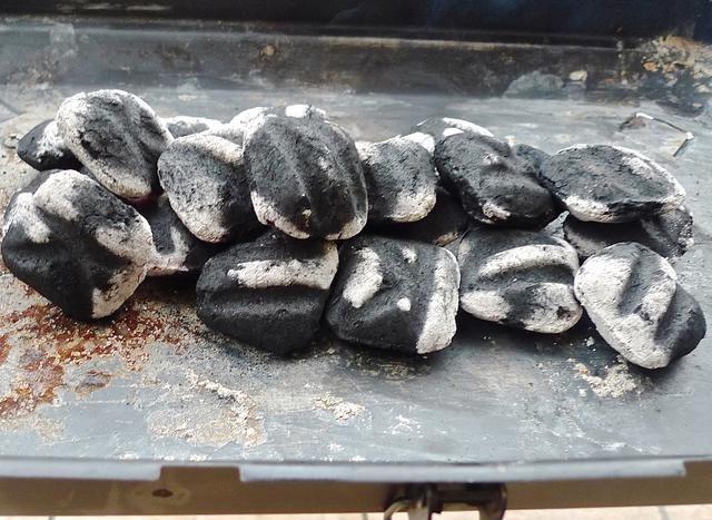 La parrilla de carbón está finalmente listo!