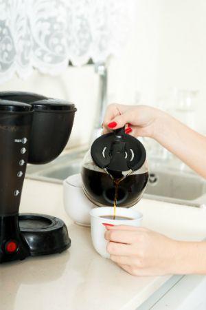 Limpieza de una cafetera con vinagre - Café fresco