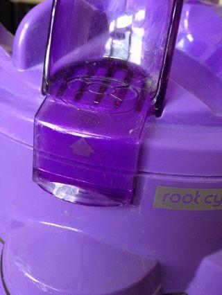 Haga palanca abrir la tapa en la parte superior para llegar al filtro.