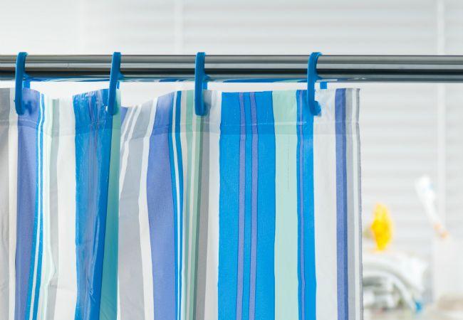 Cómo limpiar una cortina de ducha
