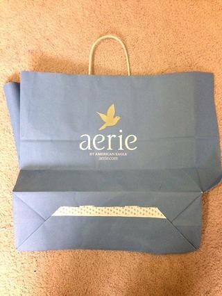 Cortar la bolsa en tiras adecuadas para el tamaño de su derrame de cera.