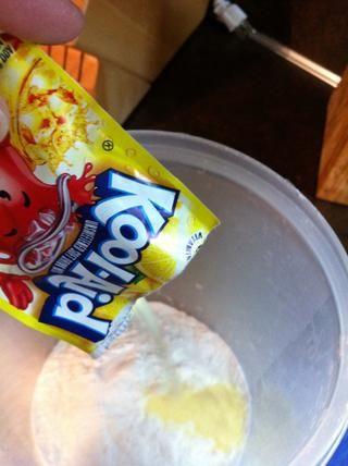 Añadir 4 paquetes de limonada.