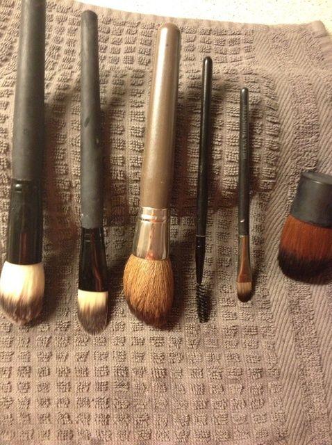 Cómo limpiar los pinceles de maquillaje
