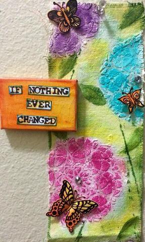 Aquí también se puede ver he añadido algunas mariposas. Había estos sobrantes de mi último proyecto que hicimos con sentidas creaciones.