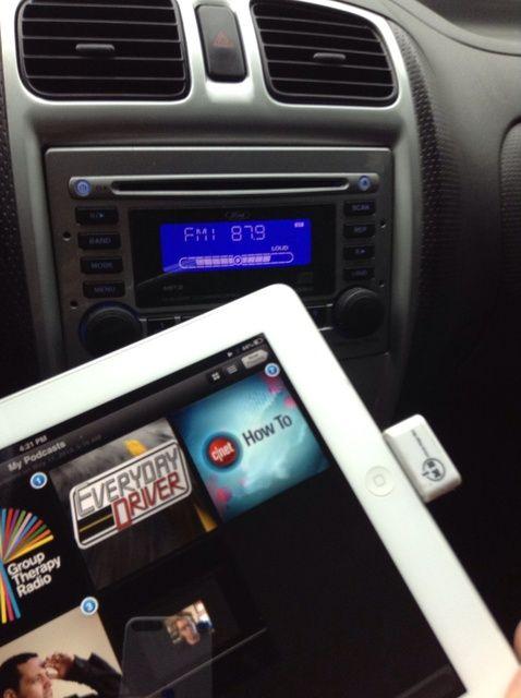 Cómo conectar iPad2 para radio de coche de forma inalámbrica No Bluetooth