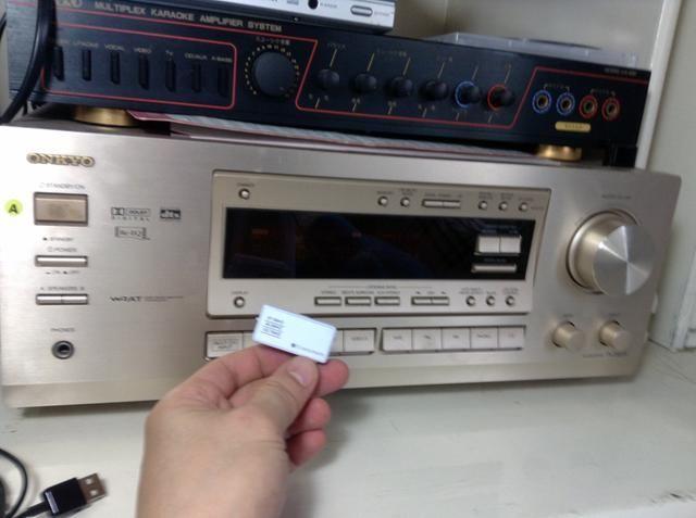 Todo lo que toma es este transmisor de música para el iPhone de Gizmo individuo http://iphonefmtransmitter.com/fm-transmitter-for-iphone-6/