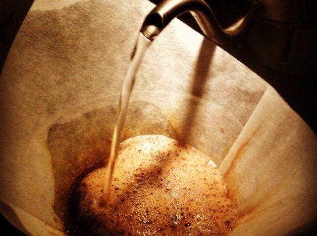 Cómo Brew Consistentemente Pour-Over Coffee Receta