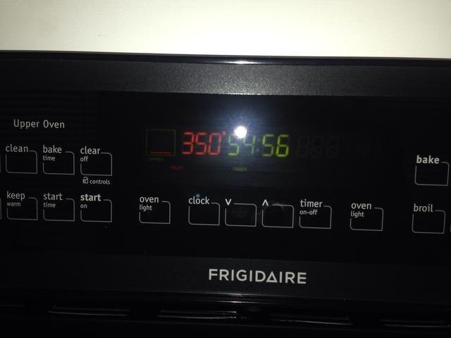 Hornear en horno medio rack de 40-55 minutos. ** La mía estaba hecho a la perfección en 50 minutos!