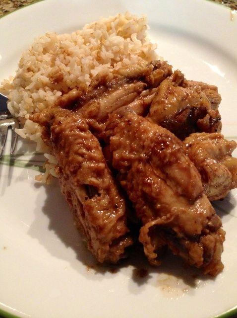 Cómo cocinar la receta auténtica y deliciosa pollo Adobo