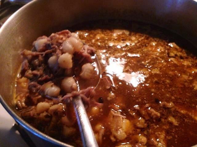 Una vez hecho esto, la placa inmediatamente y servir caliente en un tazón. Usted puede agregar cilantro y aguacate con el plato de deliciosa y picante Pozole Mexicano!