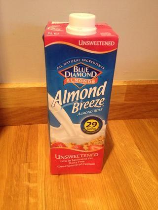 Asegúrese de leer las etiquetas de la leche no láctea ya que muchos están cargados de azúcar o jarabe de maíz. Me gusta esta leche de almendras sin azúcar