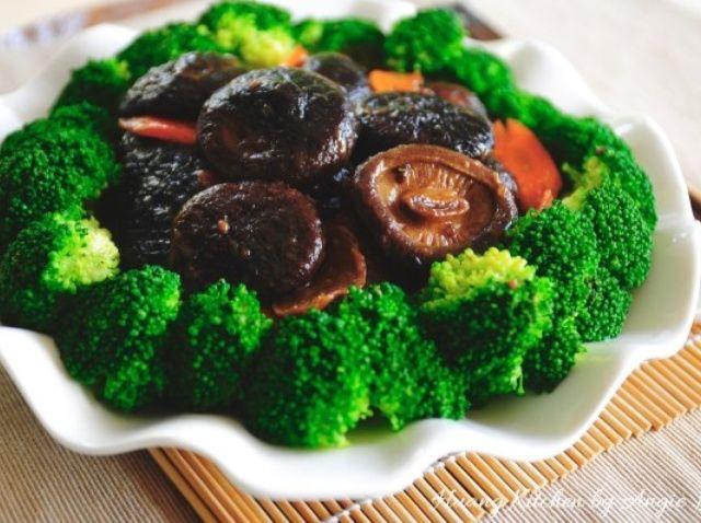 Cómo cocinar las setas Shiitake Estofado con brócoli Receta