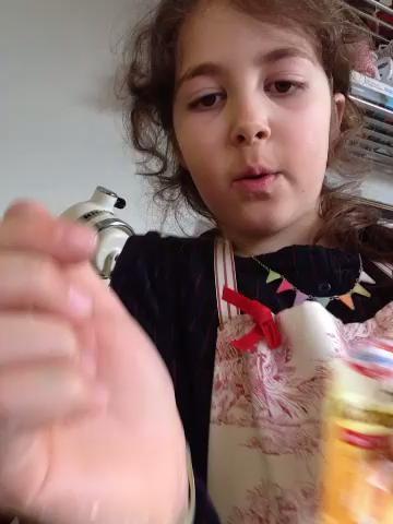 Añadir el polvo de hornear 1 cucharadita