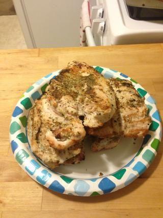 Yum! Deliciosamente pollo a la parrilla.