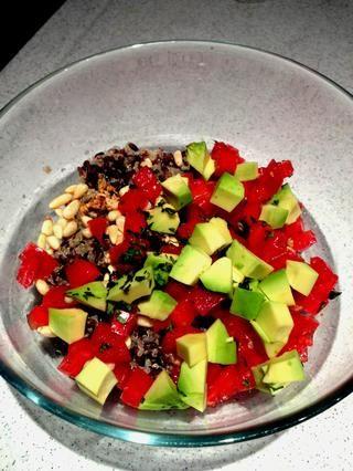 Coloque frito comino / ajo con otros ingredientes húmedos en el tazón y mezcle ellos. Exprima 1 cuña de jugo de limón como el toque final y revuelva ligeramente.