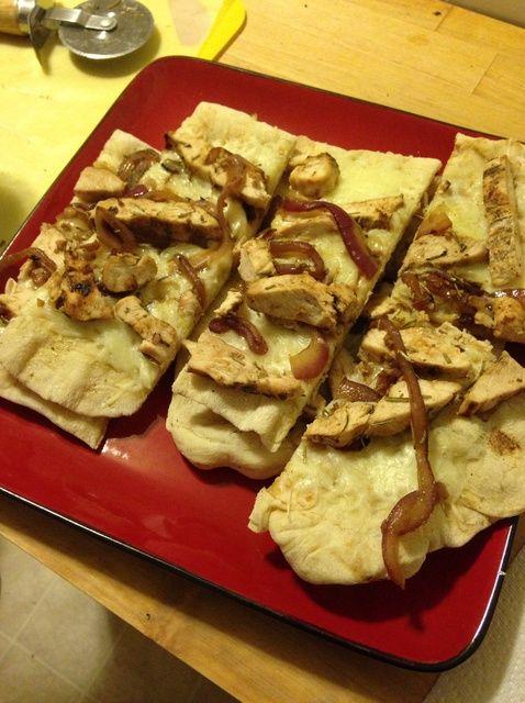 Cómo cocinar delicioso pollo y cebolla pan plano Receta
