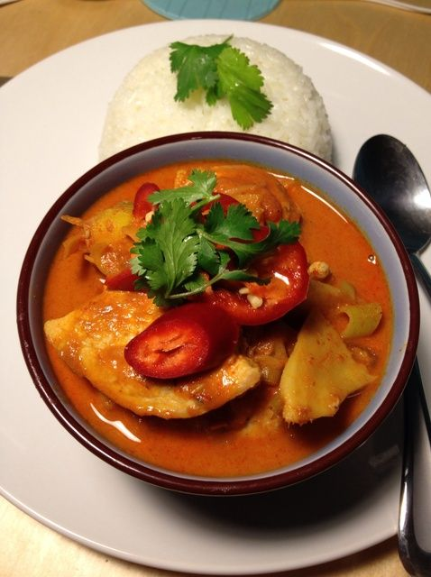 Cómo cocinar delicioso picante Thai Recipe Chicken Curry Rojo