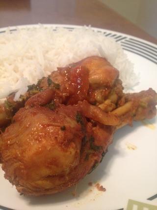 Servir con arroz al vapor caliente. Disfrutar :)
