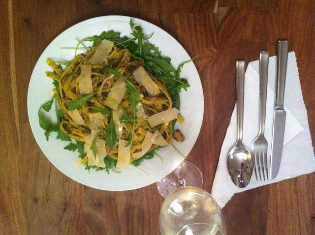 Cómo cocinar fácil cúrcuma Pesto Atún Pasta 15 Min Receta
