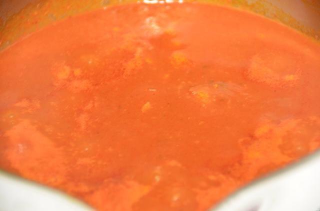 La salsa está lista. Use según se requiera.