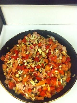 Mezclar todo y empezar a cocinar durante 8 minutos