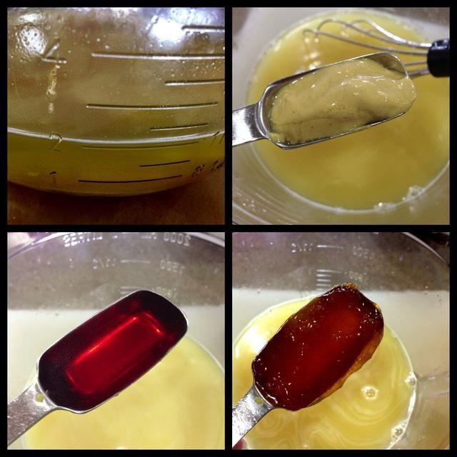Mida el caldo de pollo en un tazón grande. Tengo una taza de medir 8 c, así que utilicé eso. Añadir Dijon, vinagre y mermelada y bata para combinar. Dejar de lado.