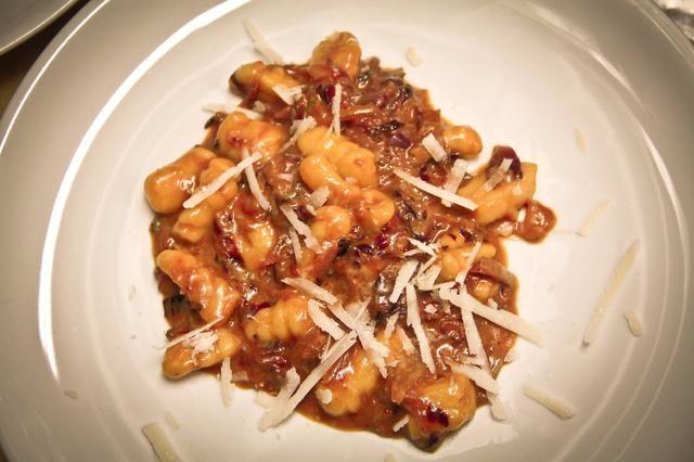 Añadir una pizca de queso parmesano y listo ... buon appetito
