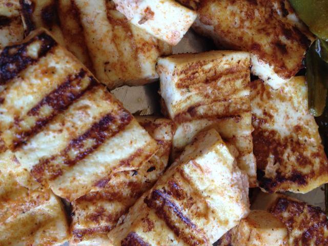 Serví con ensalada también se puede tirar esto en cualquier arroz frito o revolver los fideos fritos. ¡¡¡Disfrutar!!!