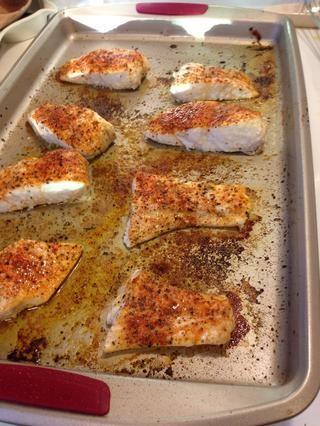 Poner en el horno precalentado a 425 durante 13 minutos ... perfecto, húmedos y flakey