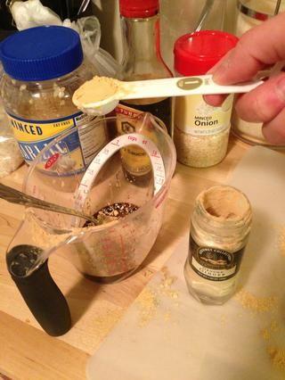 Añadir 1 cucharadita de jengibre para la mezcla de miel.