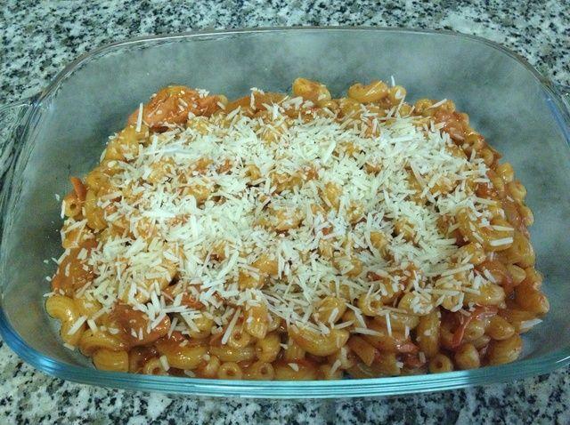 Cómo cocinar macarrones con atún en salsa de espagueti Receta