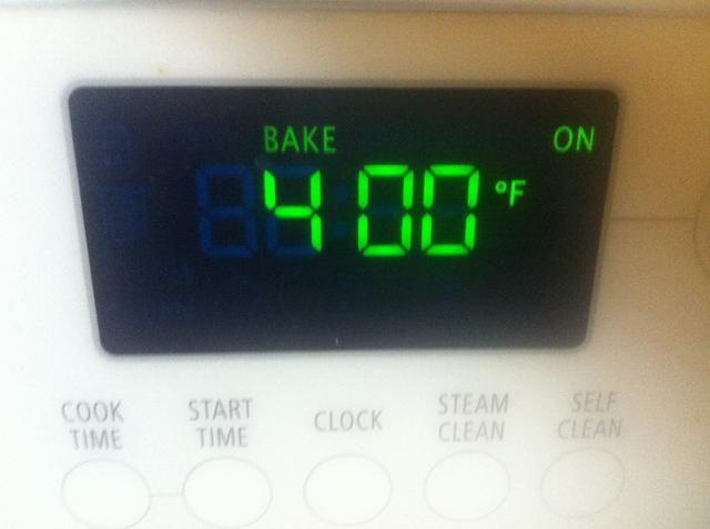 Precaliente el horno a 400 grados
