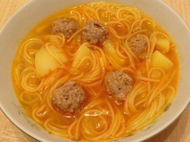 Cómo cocinar Albóndiga y espagueti receta de la sopa