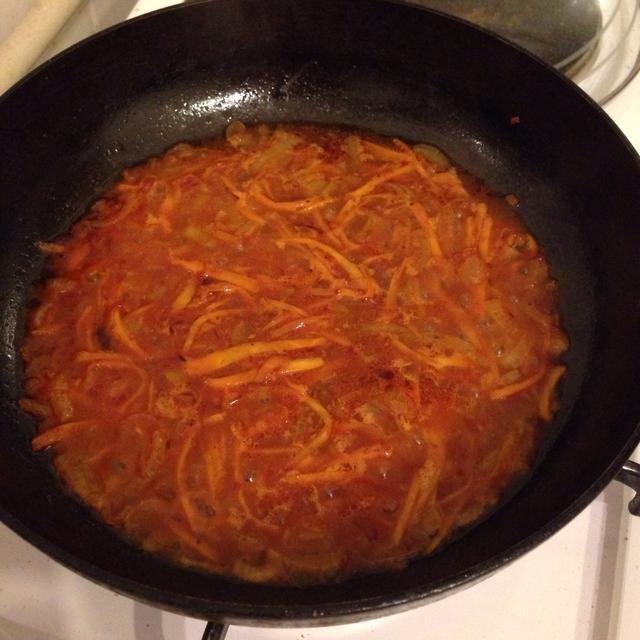 Añadir un poco de agua a las zanahorias