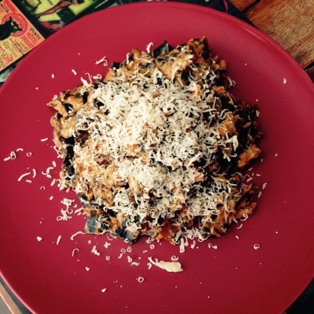 Placa y espolvorear con un poco de queso parmesano fresco. ¡Disfrutar!