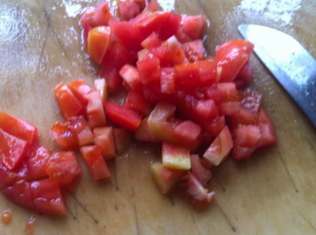 1 tomate para o primeiro passo e 2 para os segundos
