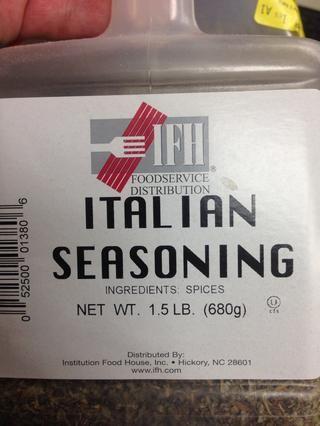 Y reducir, a continuación, volver a agregar la carne y el tomate, salsa de tomate y pasta. Y añadir condimentos italianos al gusto. Agua para adelgazar a la consistencia deseada.